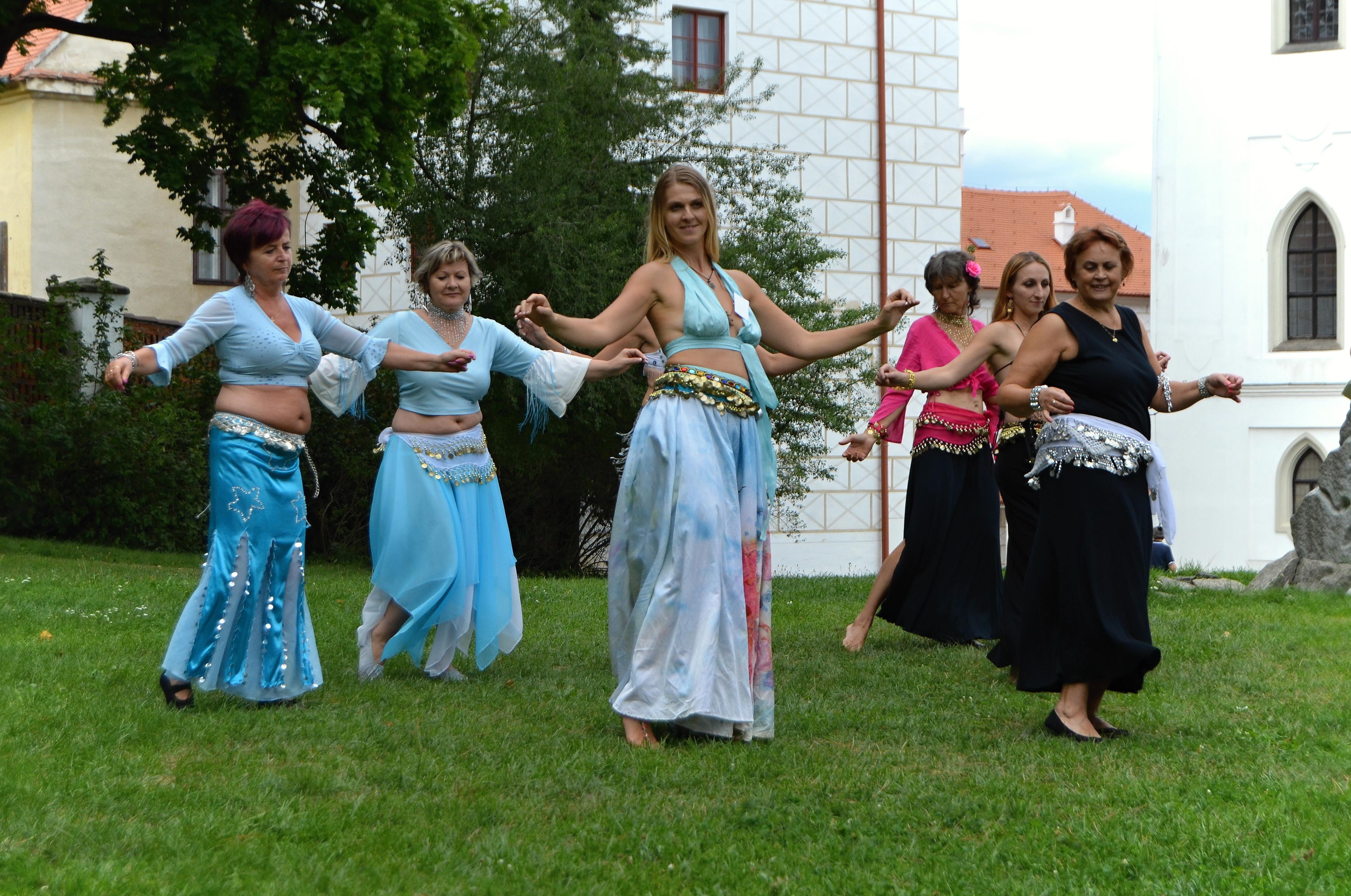 Tanec ženy v Třebíči