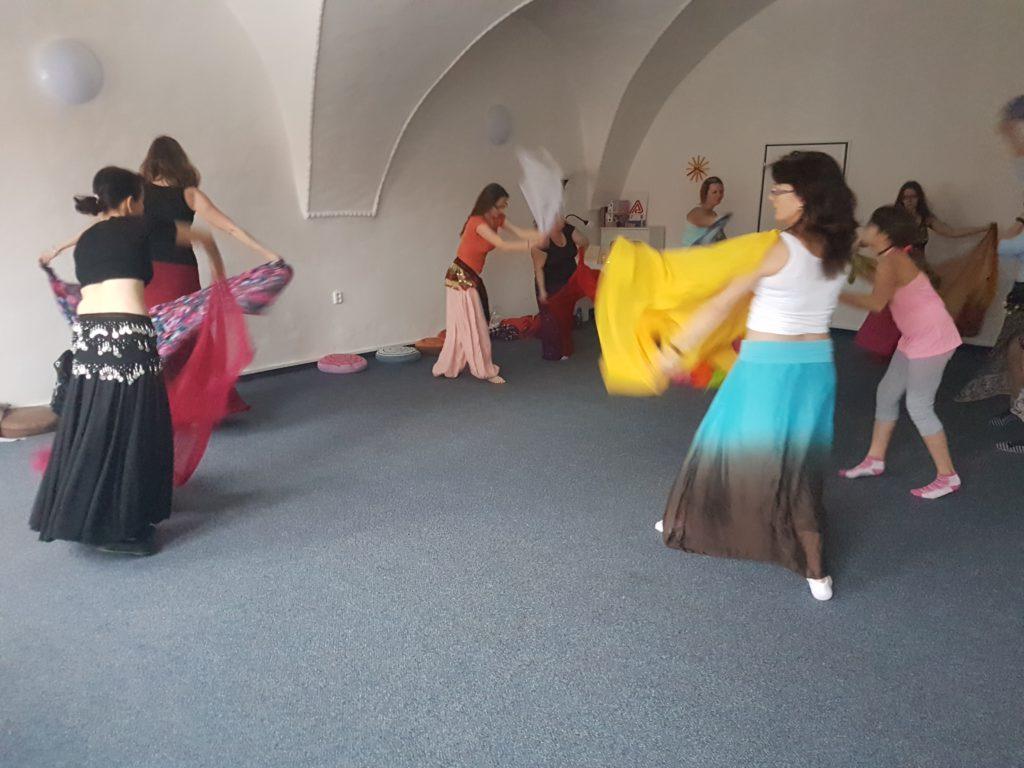Tanec ženy závoje