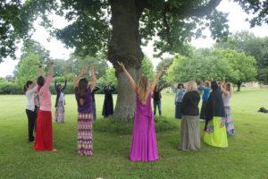 Strom v Glastonbury Abbey